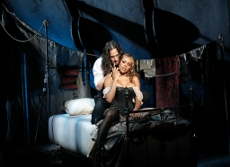 Is <em>Jekyll & Hyde</em> the Best Broadway Show of the Season?